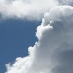 Escarbando entre las nubes.
